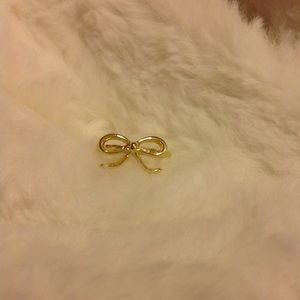Jewelry - Gold Plated Bow Shaped Ring. Size 8💍